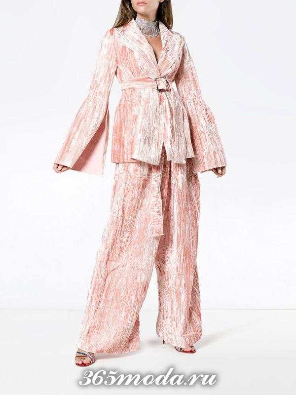 новогодний розовый бархатный костюм оверсайз