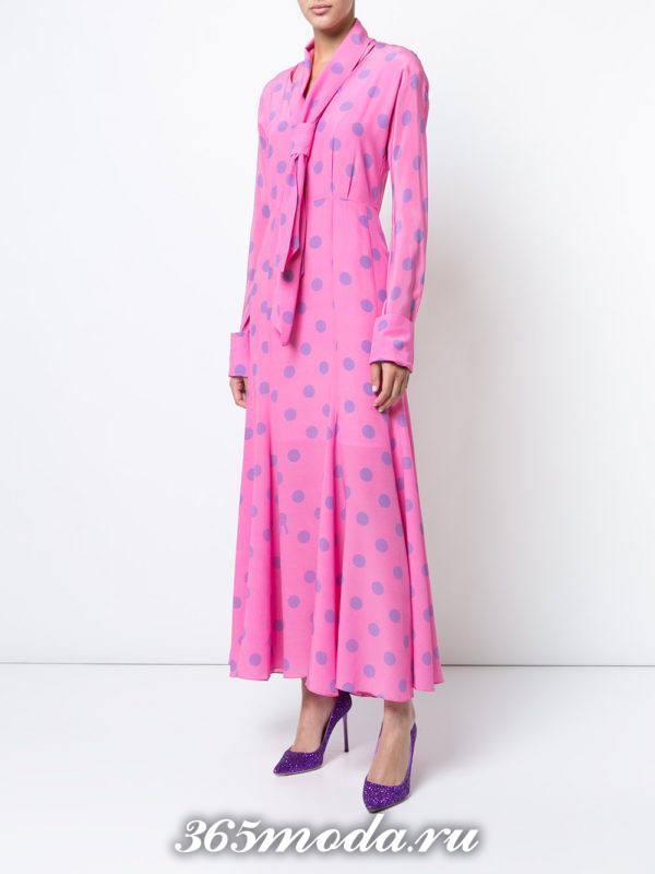 новогоднее розовое макси платье в горох
