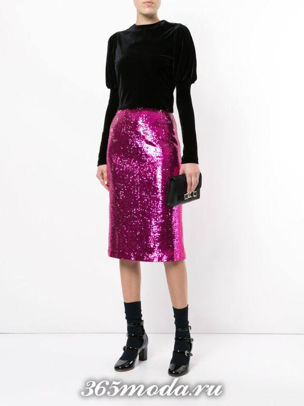 новогодняя блестящая розовая юбка карандаш с бархатной блузкой
