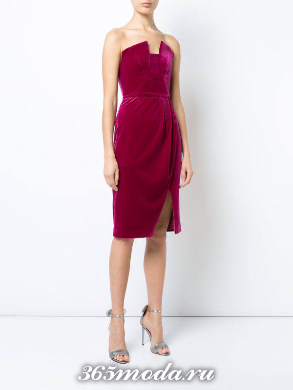 новогоднее бархатное розовое платье с запахом