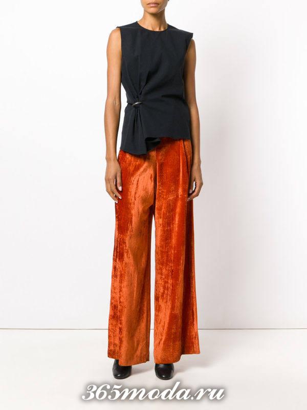 новогодние бархатные широкие брюки и черный топ