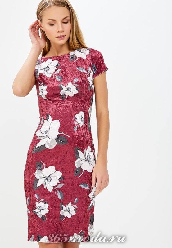 бархатное платье с принтом для блондинок
