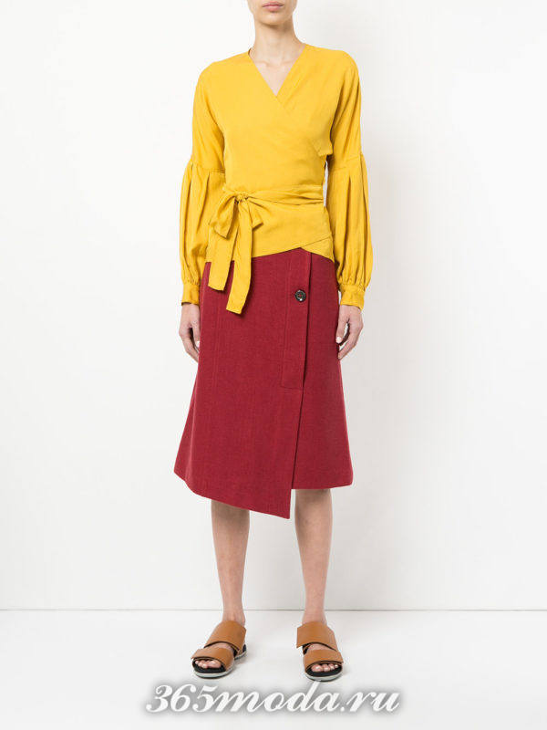 юбка марсала и желтая блуза