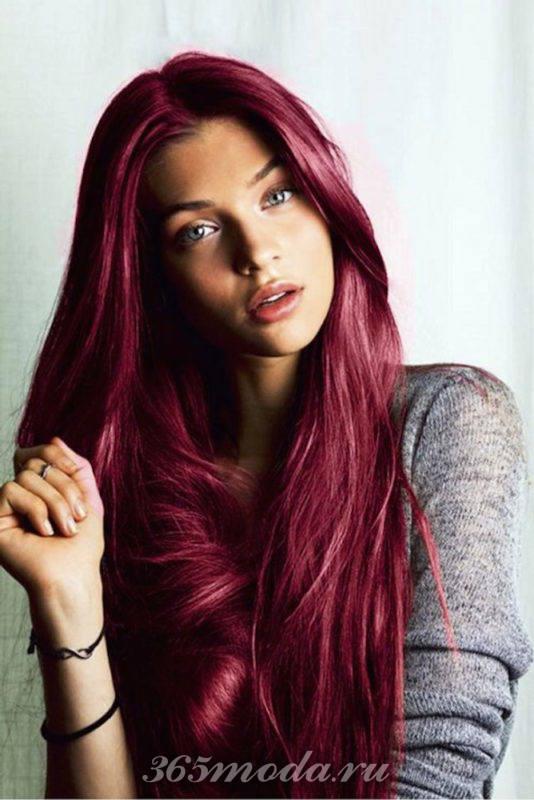 длинные волосы оттенка марсала