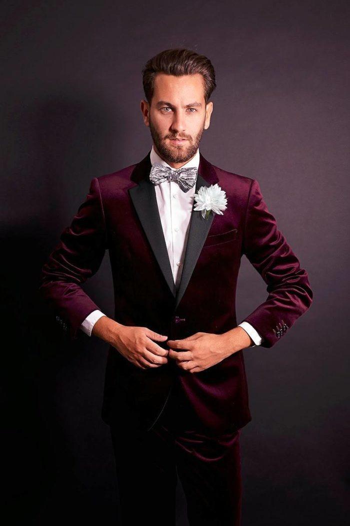 мужской бархатный костюм цвета марсала