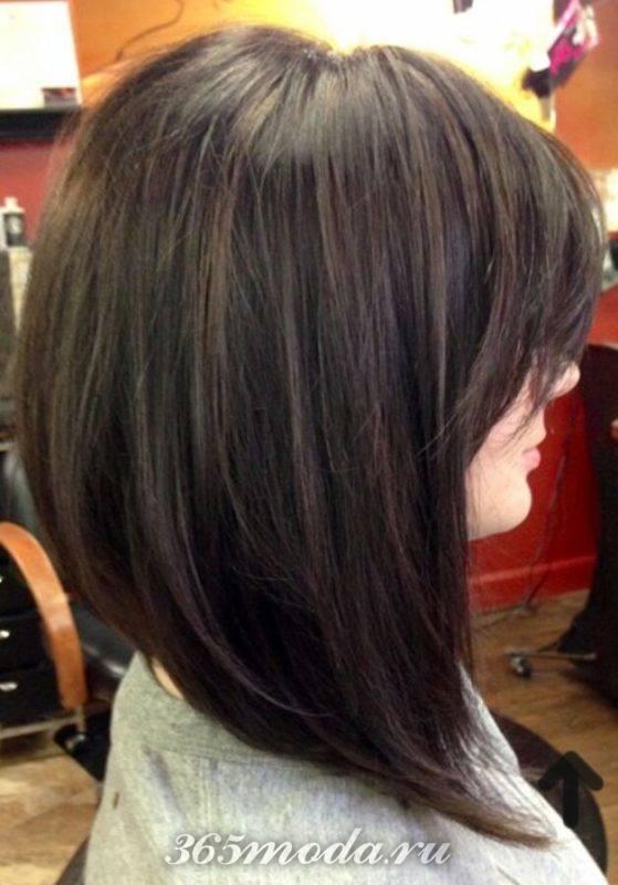 Стрижка каре на ножке на средние волосы