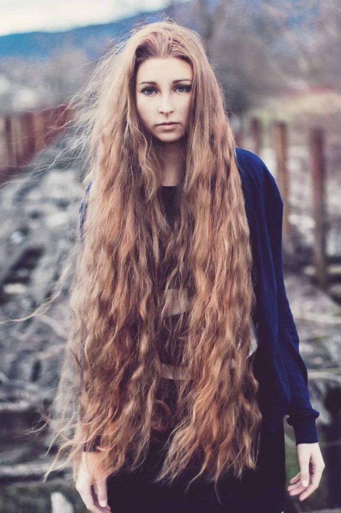 Легкая прическа на длинные волосы