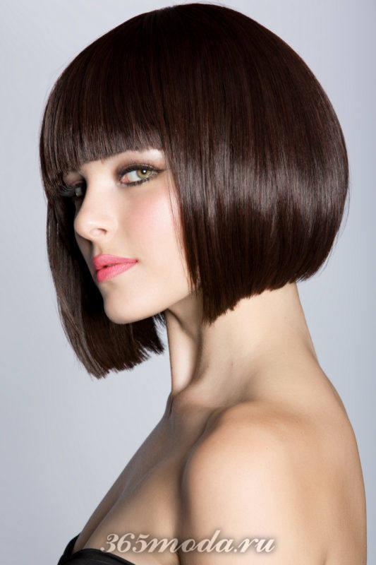красивые стрижки на короткие волосы после 40 лет: с челкой