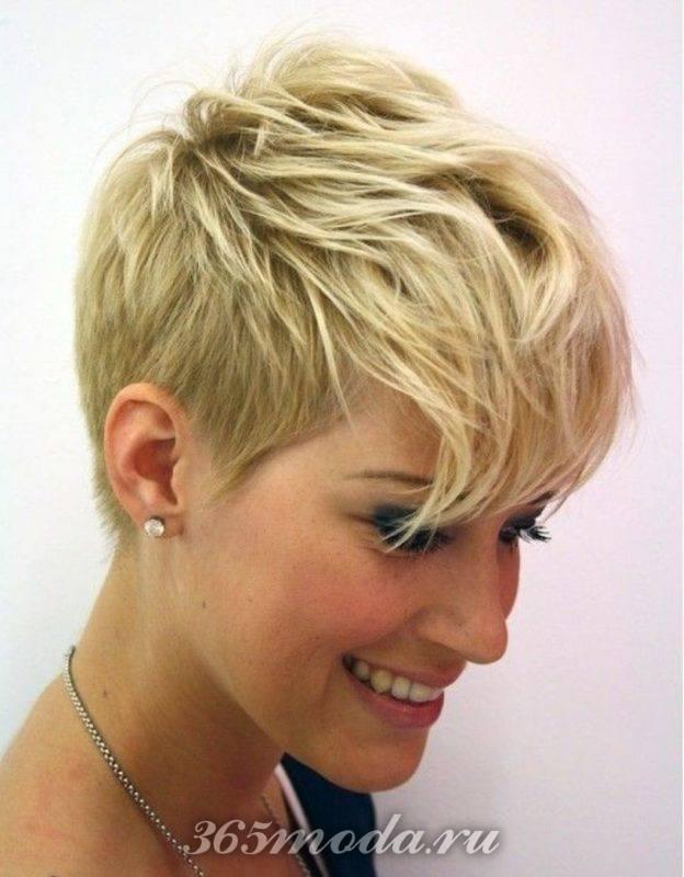 Женская стрижка на короткие волосы после 40 лет: пикси