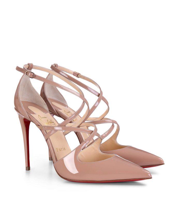 лабутены: бежевые туфли на шпильке с ремешками