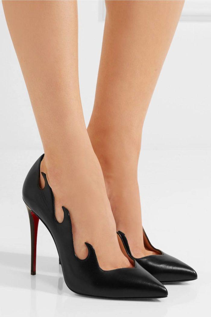 туфли лабутены: черные на шпильке с декором