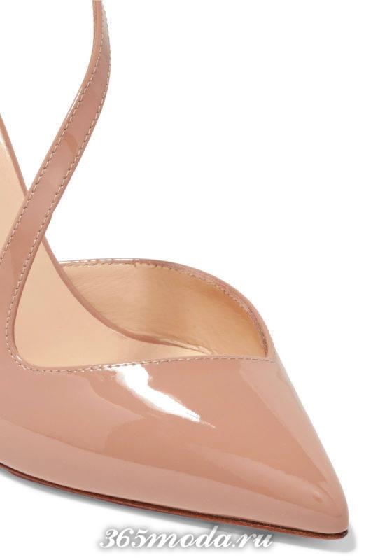 бежевый туфель с острым носком