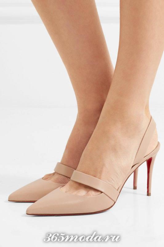 бежевые туфли на среднем каблуке