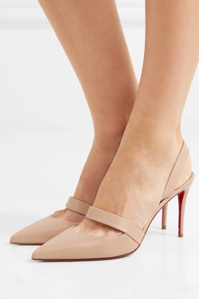 туфли лабутены: бежевые на среднем каблуке