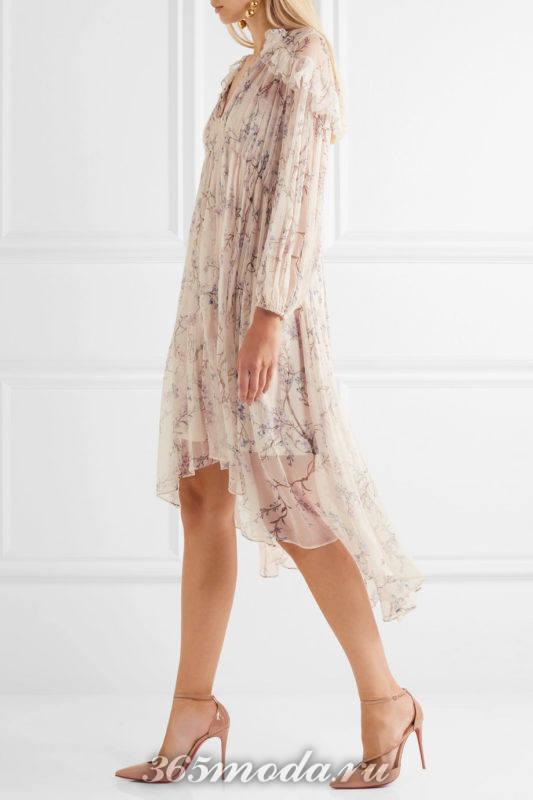 лаковые лабутены с шифоновым платьем