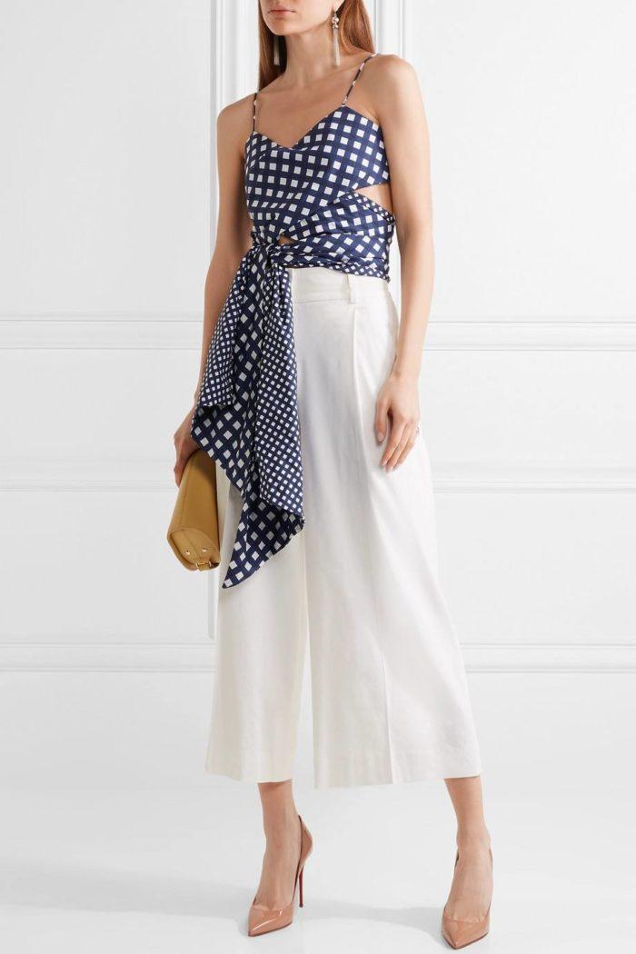 лабутены: на шпильке с брюками кюлотами и блузкой в горох с поясом