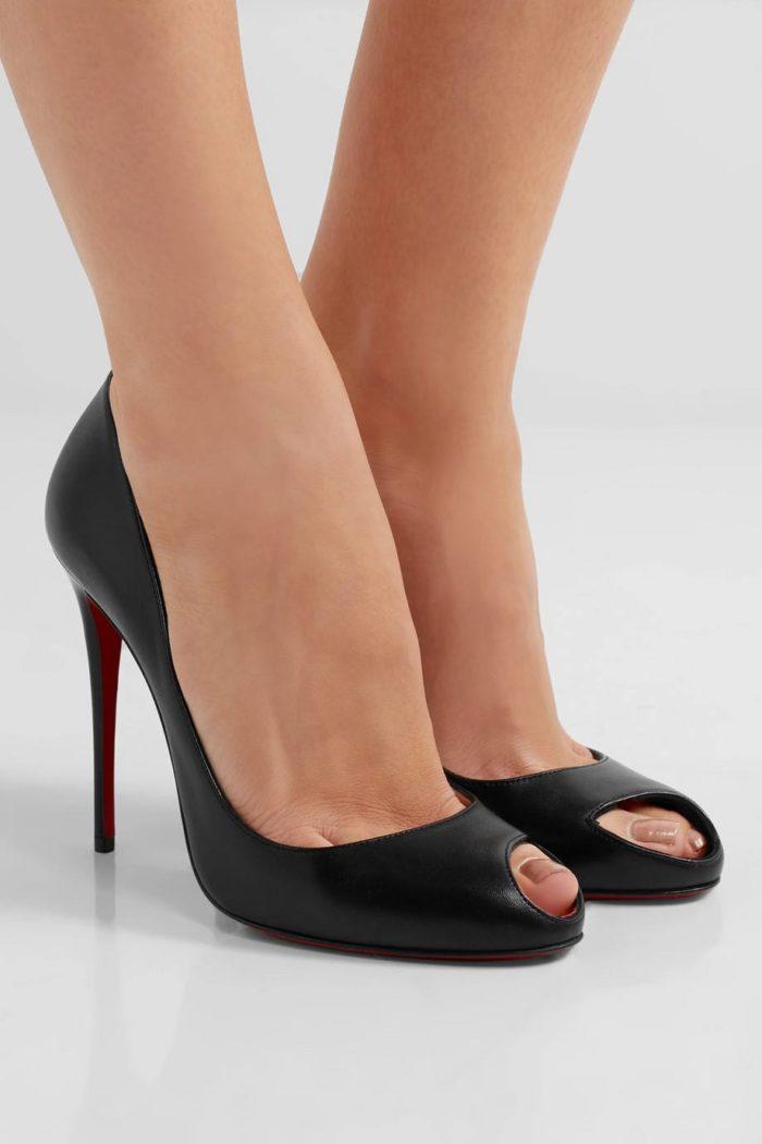 туфли лабутены: черные на шпильке с открытым носком