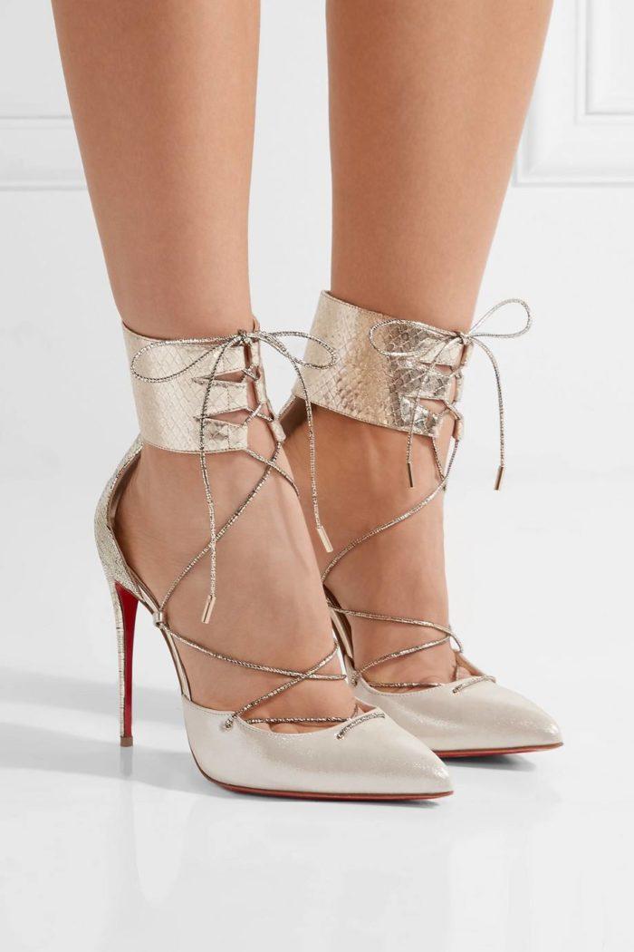 лабутены: блестящие на шпильке со шнуровкой