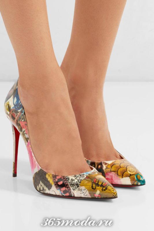 туфли на шпильке с принтом