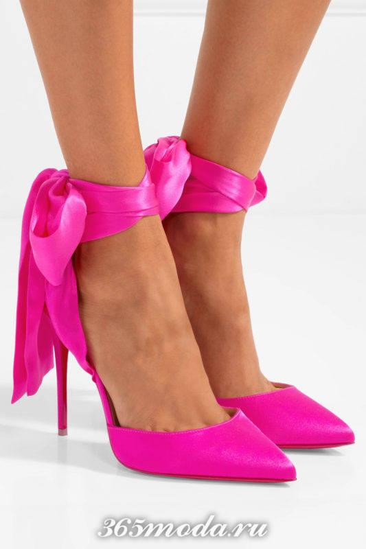 розовые туфли на шпильке с бантами