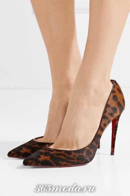 туфли на шпильке с животным прином