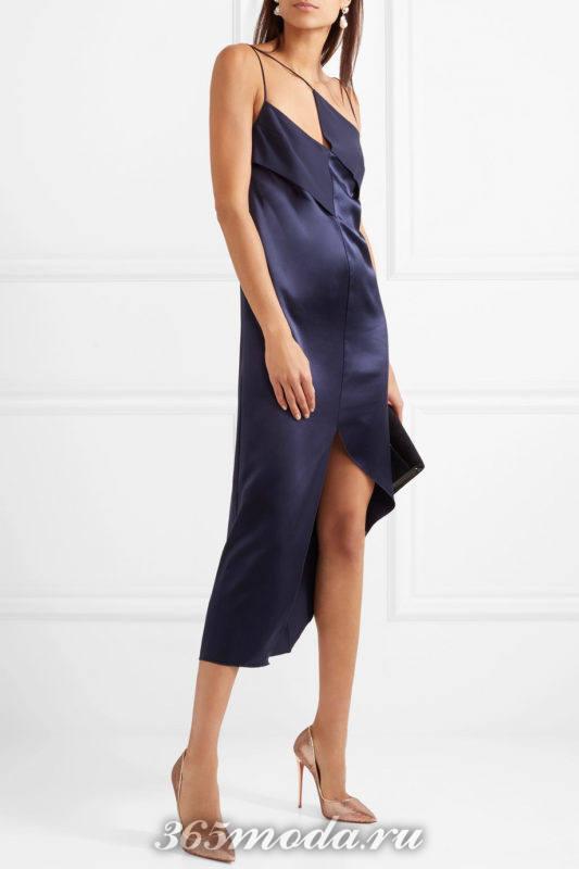 блестящие лабутены с синим платьем