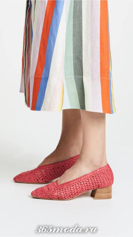 ажурные туфли на средних каблуках