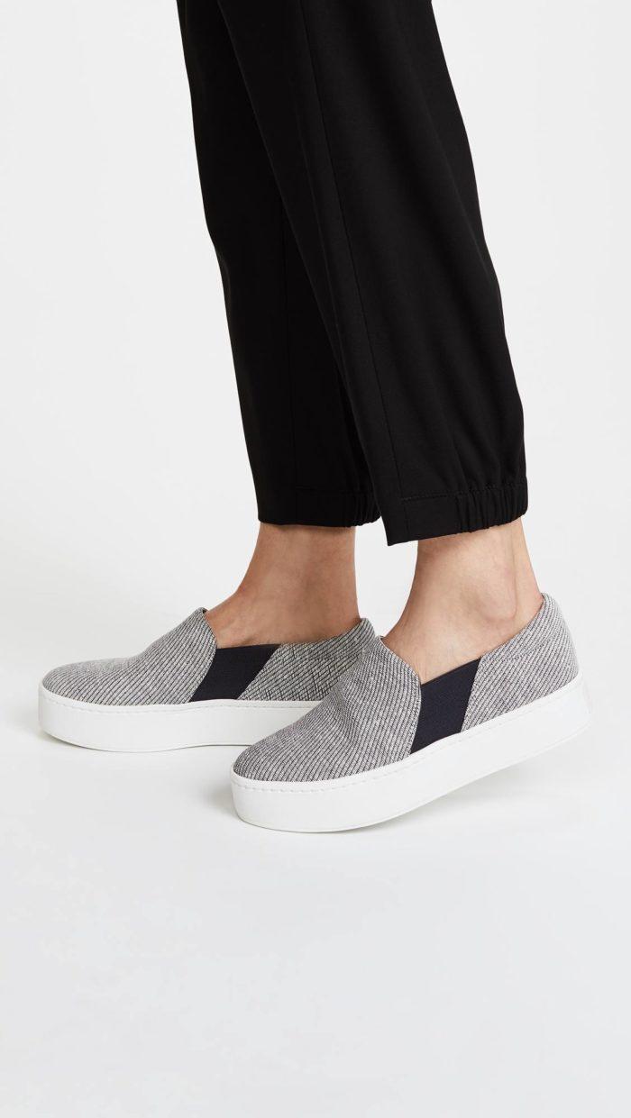 женская обувь весна лето: слипоны из ткани на платформе