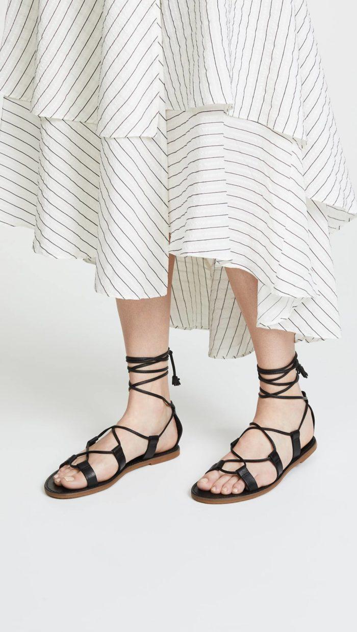 черные сандалии на завязках
