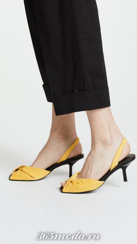 желтые босоножки на каблуках