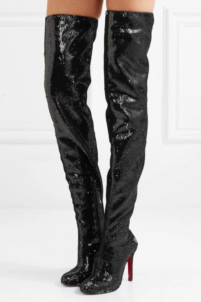 модная женская обувь весна лето: блестящие черные ботфорты на шпильках