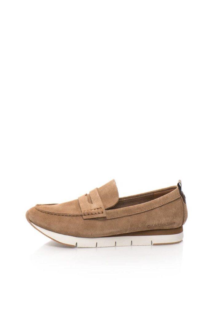 женская обувь весна лето: бежевые мокасины