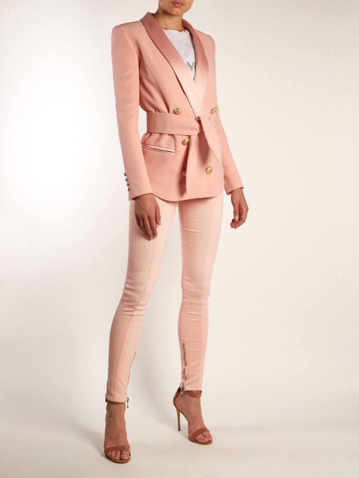 пиджак с поясом и брюки скинни