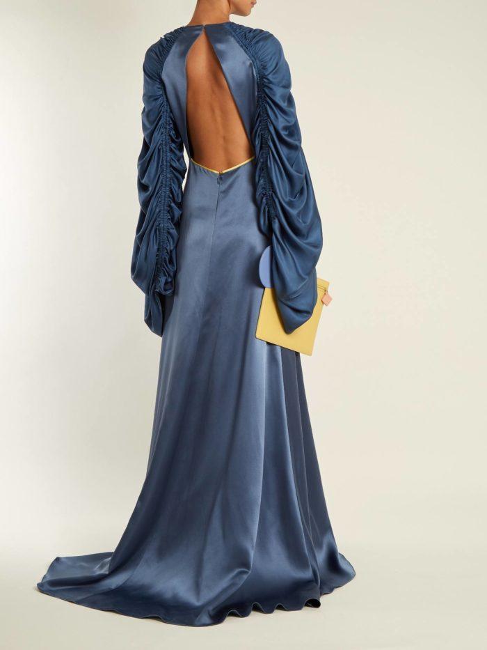 синее платье макси с открытой спиной