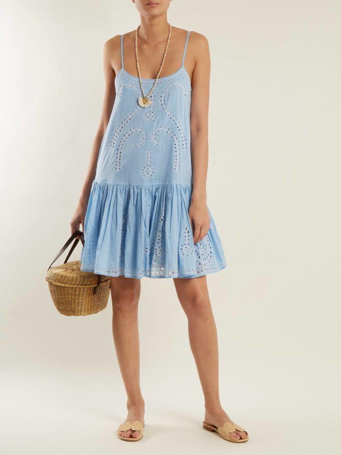 голубое платье оверсайз на бретелях