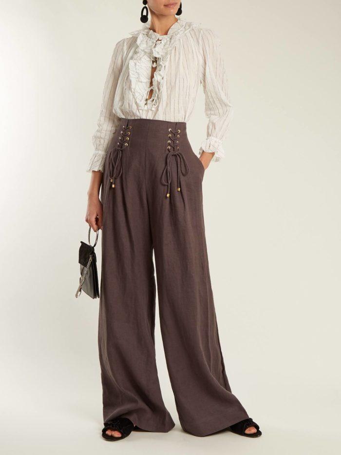 брюки клеш с декором с полосатой блузой