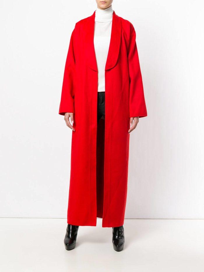 Модные цвета осень-зима 2019-2020: красное пальто макси