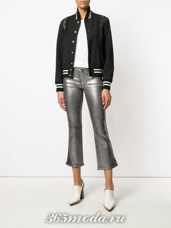 блестящие укороченные брюки и черный бомбер