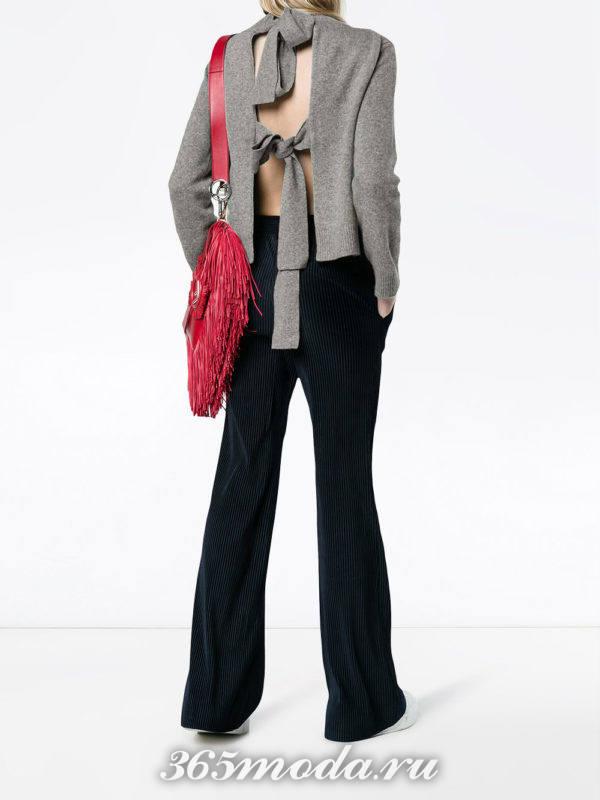 брюки клеш и кофта с открытой спиной