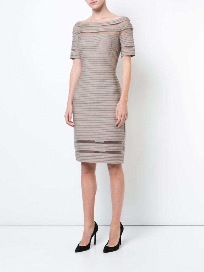 Модные цвета осень-зима 2019-2020: платье карандаш с прозрачными вставками