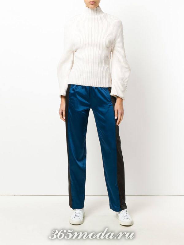 брюки с лампасами и белый свитер