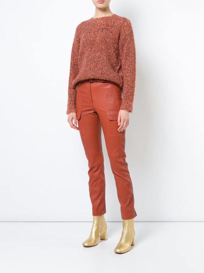 кожаные брюки скинни и свитер