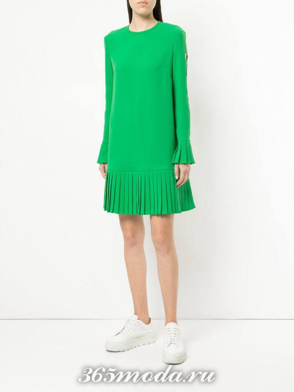 зеленое платье плиссе весна лето