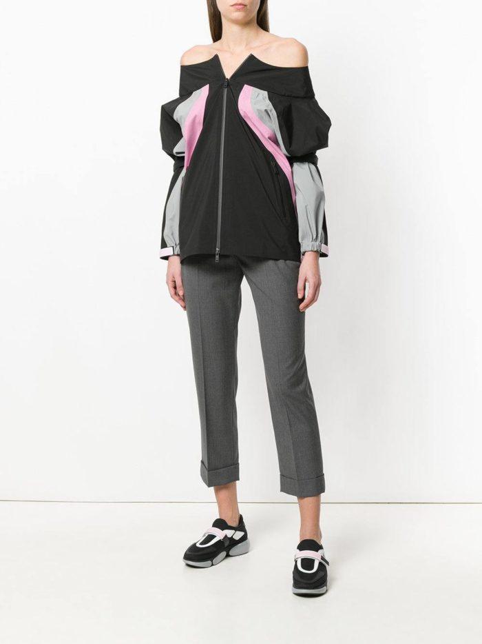 укороченные брюки и спортивный джемпер весна лето