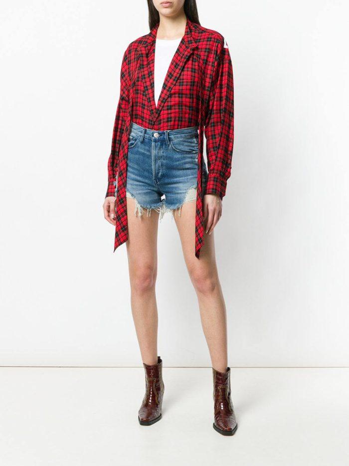 джинсовые шорты и рубашка в клетку весна лето