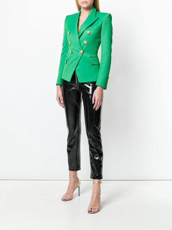 черные брюки и зеленый пиджак весна лето