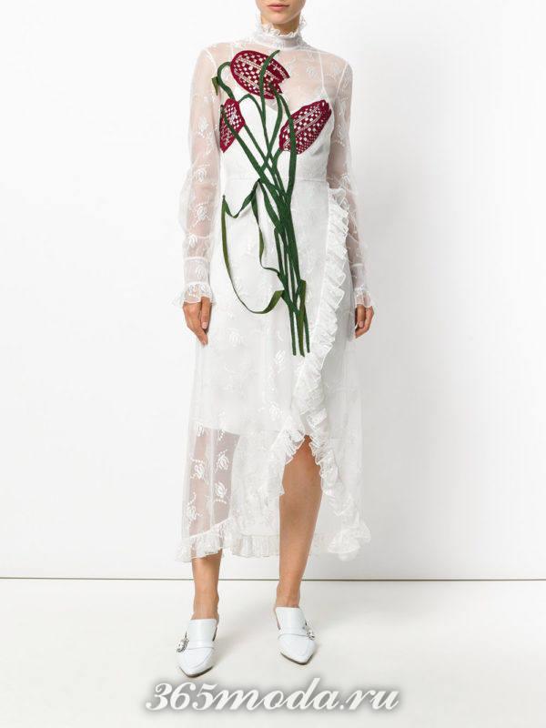 кружевное белое платье с рисунком