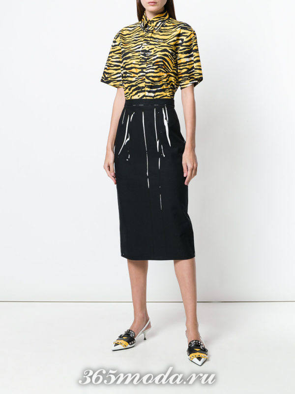 юбка карандаш и блуза с принтом весна лето