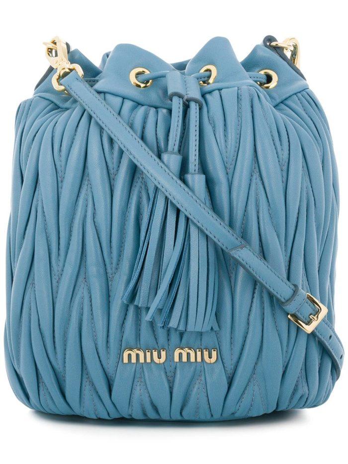 фактурная синяя сумка весна лето
