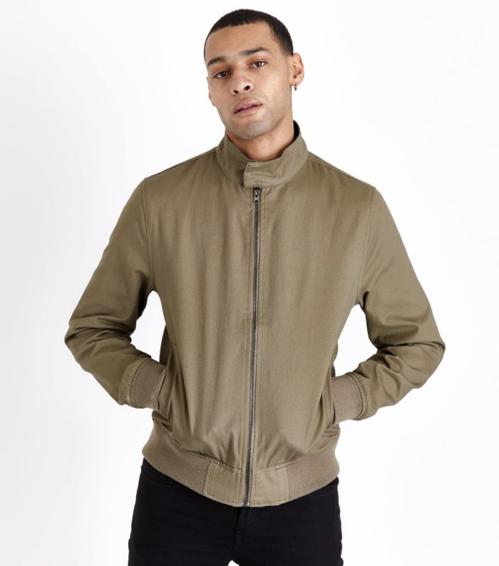 оливковая мужская куртка